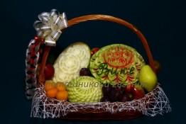 Поздравление с фруктами