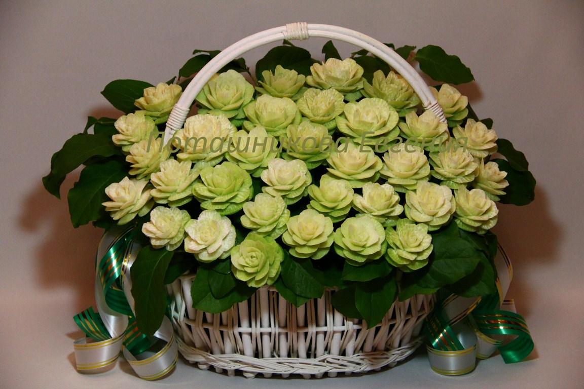 Корзина с цветами праздничная